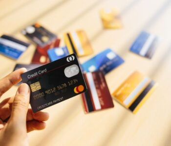 745748D4-credit-cards-17